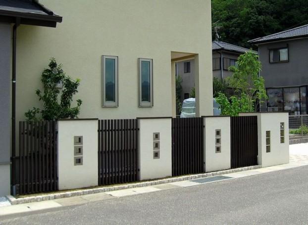 木調アルミフェンスとぬりかべの外構デザイン 【佐川町 K様邸】